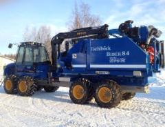 Ruotsissa rakennetaan hakkureita myös kuormatraktoreiden päälle. Kuvassa Rottne F15D koneeseen asennettu Eschlböck Biber 84 hakkuri. Lue lisää uutisia Ruotsin metsäalalta: www.promagazine.se