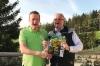 Wahlers Forsttechnikin toimitusjohtaja Ralf Dreeke (oik.) ja Metsäalan Ammattilehden päätoimittaja Janne Jokela Itävallan alpeilla Interforst 2018 -pressitapahtumassa. Wahlers on toiminut Ponssen jälleenmyyjänä jo yli 25 vuoden ajan.