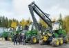 Syys-lokakuun vaihteessa John Deere Forestry luovutti Ähtärissä Jykylä & Pojat Oy:lle kerralla neljä uutta konetta: 2 x 1010G ja 1110G -kuormatraktorit sekä 1070G -harvesterin H412 -kouralla
