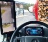 Peräti 15-tuumaiset pilaripeilinäytöt ovat vakiona Mercedes-Benz Actrosissa - perinteiset peilit on saatavilla lisähinnasta.
