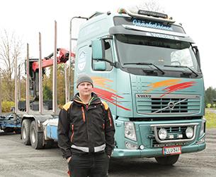Nuorempaa yrittäjäsukupolvea edusti tapaamisessa niin ikään somerolainen Santeri Jääskeläinen, joka on ajanut puuta kaikkiaan viisi vuotta, josta viimeisen vuoden omiin nimiinsä.