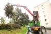 Riihimäkeläinen HKT-Yhtiö Hämeen Kalkkitukku Oy on keskittynyt kalkinajon ohella bioenergia-asiakkaiden palveluun Uudenmaan alueella. Kuvassa yrityksen tuore Sisu Polar Timber -risuauto ja Loglift 118S -nosturi.