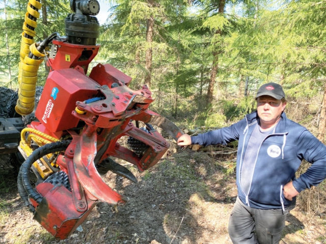 - Olemme siirtyneet syöttäviin ja kerääviin Naarva EF28 -kouriin, sanoo Marko Kaitajärvi