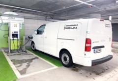 AMMATTILEHTI KOEAJAA: Peugeot e-Expert XL 75 kW - Ilmaisia kilometrejä