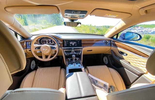 AMMATTILEHTI KOEAJAA: Bentley Flying Spur V8 - Vaikuttava kaikilla tasoilla