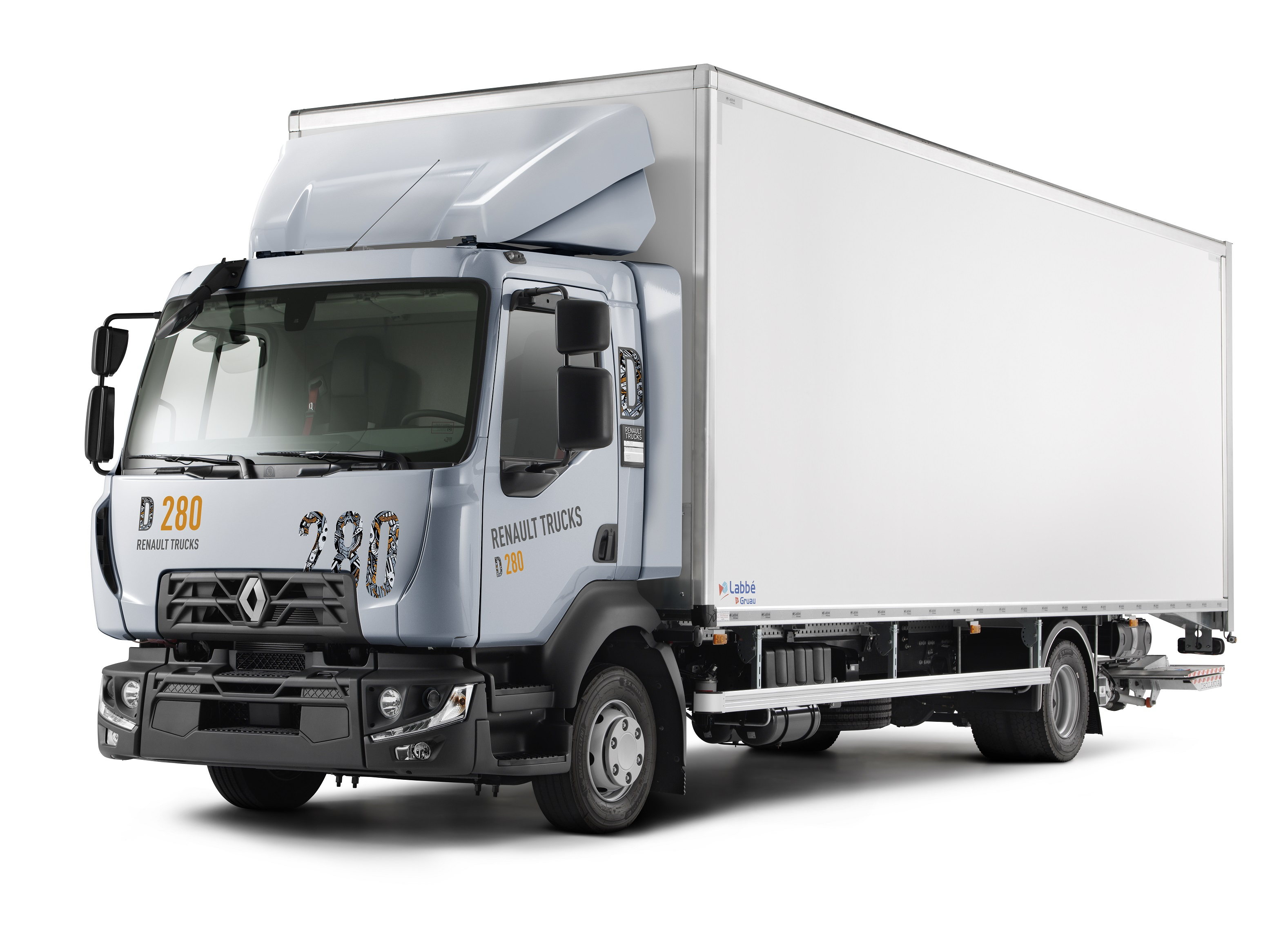 1_renault-trucks-d-model-year-2020_03.jpg