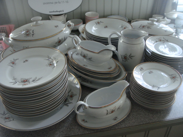12-hengen ruoka-astiasto 30 40-luvun vaihteesta  db274d3db4