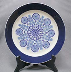 Arabia bun trays & large serving plates