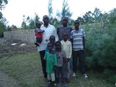 Pastori Dan lasten kanssa