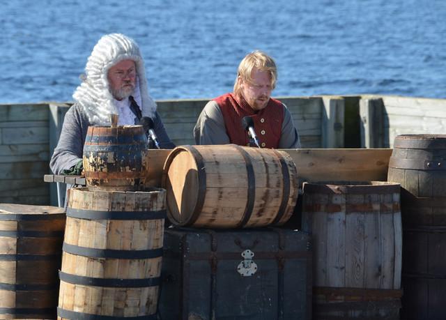 Perämeren piraatti, Iisakki Mustaparta, näytelma