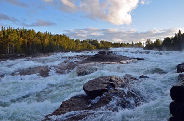 Storforsen, en fors med vattenfall belägen i Piteälven