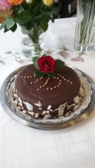 Suklaakakku juhliin