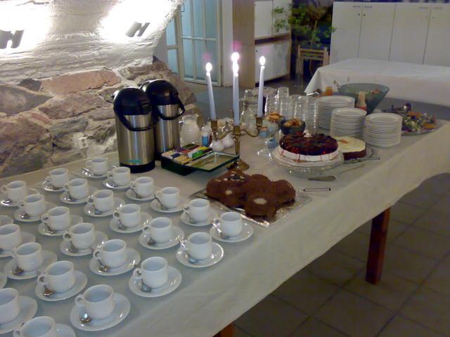Ristiäispöytää Suomenlinnan kirkon krypta