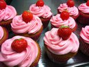 strawberry-whitechoco cupcake