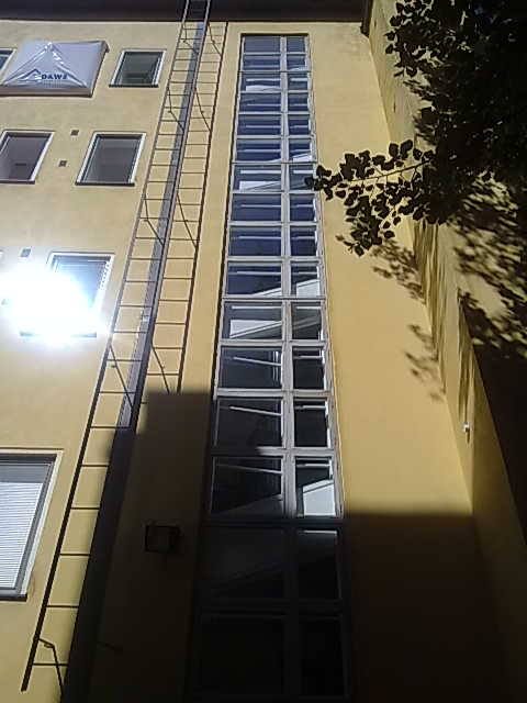 Rapun ikkunarivin irrutukseen tarvitaan nosturi