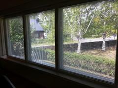 Pituutta ikkunalaudalle tuli yli 4,5m. Kokonaisuus on valoisa, tiivis ja toimiva