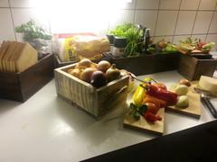 Leipä- ja leikkuulaudat öljytty koivu sekä laatikot joilla teet keittiöstäsi mielenkiintoisen