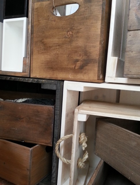Laatikot boxihyllyihin ja hyllyiksi