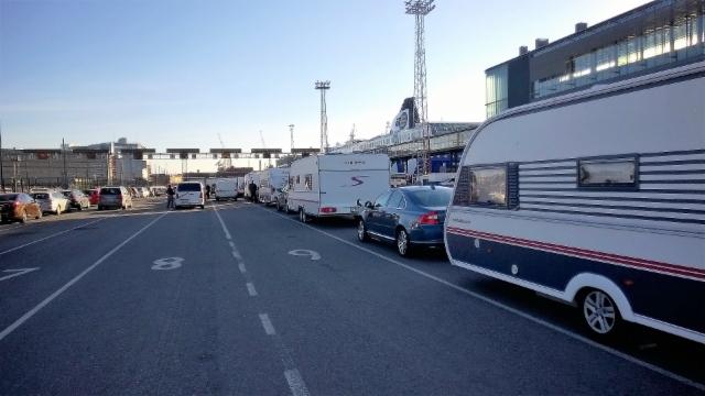 Helsingin satamassa lähtöä odotellen