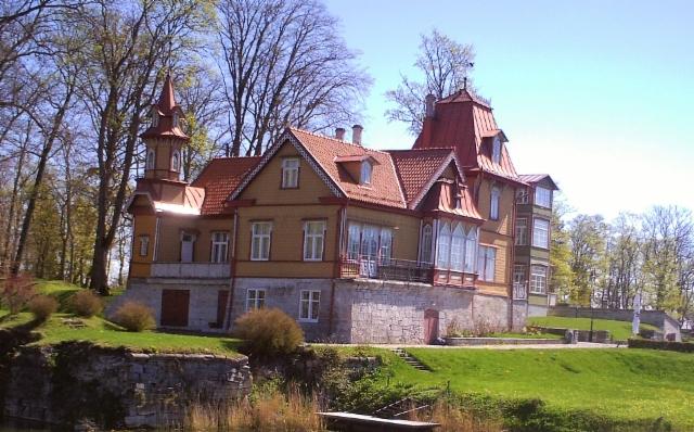 Paikallinen koristeellinen talo