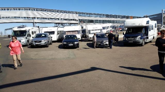 Tallinnan satama kotiinpaluun alkua odotellen