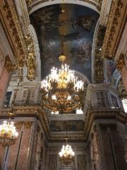 Upeat kattokoristeet Iisakin kirkossa