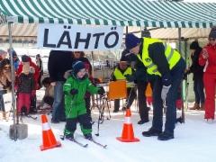 Lasten hiihtokilpailu alkaa