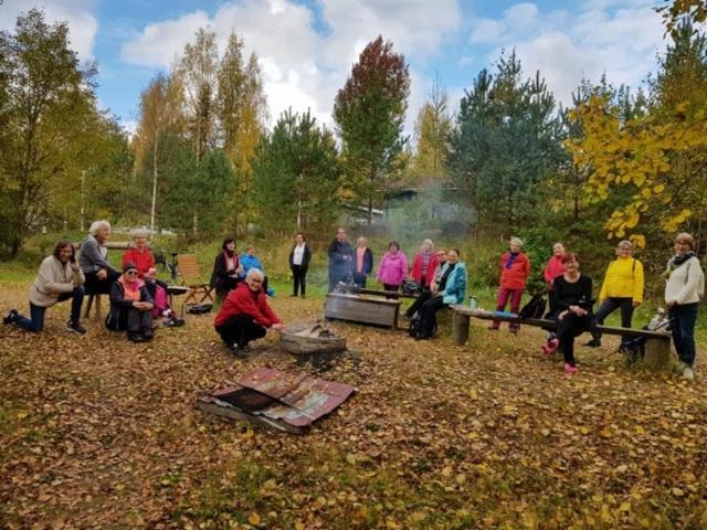 Iki-Ihanaisten kahvihetki Lehtolan Majalla 30.09.2020