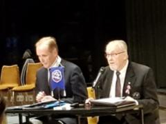 Juhlakokouksen puheenjohtaja Raimo Talikka ja sihteeri Mauri Keinänen