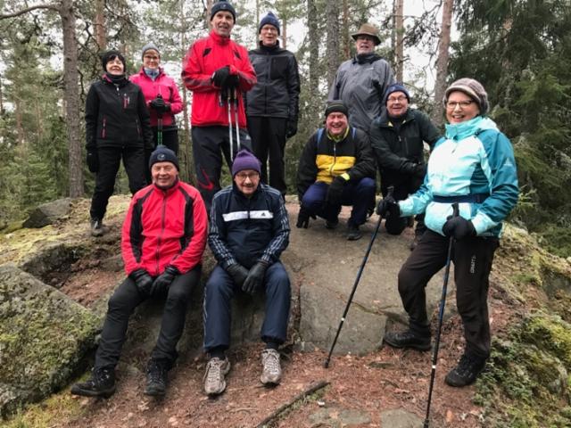 HyPS-Concarit & Leidit keskiviikko patikoinnista Piilolammen maastoissa ke 25.11.2020 Kuvaaja Heikki Tukiainen.  25.11.2020