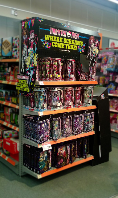 monsterhigh_end_cap_short