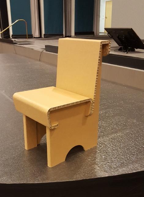 elaturvapaiva-tuoli