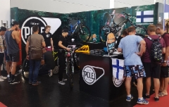 pole_bicycles_messuosasto