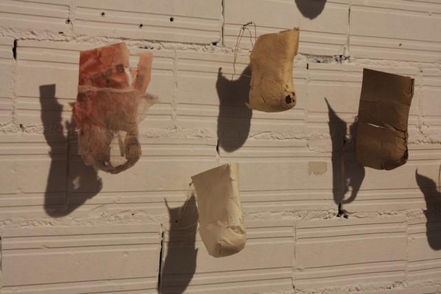 Kantapään kautta, installaatio (2009)