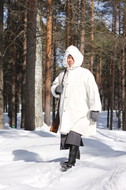 Mika Katainen aka Simo Häyhä marching in the dramatization of the documentary in the Kontioranta garrison area.