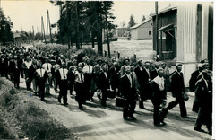 People from Rautjärvi departing to an additional war rehearsal to Utti.