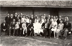Häyhä family. Simo with his mother on the right edge of the picture.