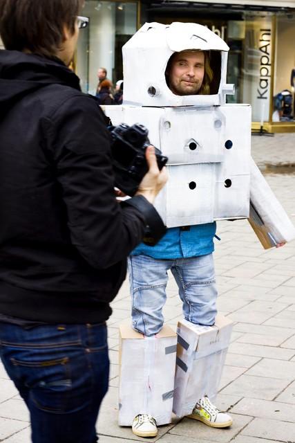 Spaceman in Helsinki, Aleksanterinkatu