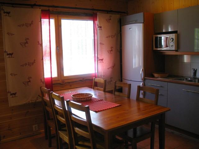 Toilailevi keittiö 2