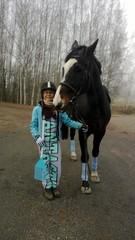 Alisa Harju ja Olli olivat tulleet Talmasta ensimmäisiin kilpailuihinsa. Teemana oli My Little Pony.