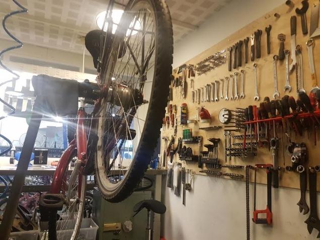 Polkupyörän Vanteen Oikaisu