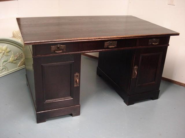 Jugendkirjoituspöytä