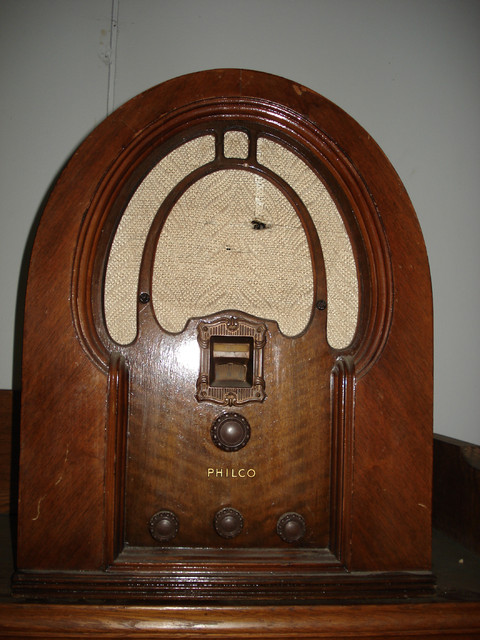 Philco Cathedral Radio - MYYTY