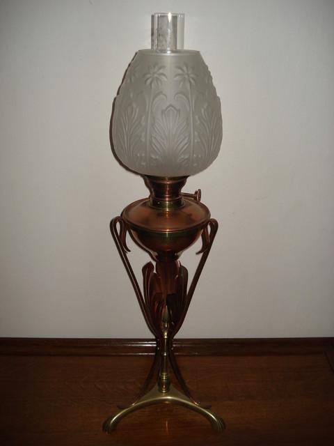 Art Nouveau pöytäöljyvalaisin