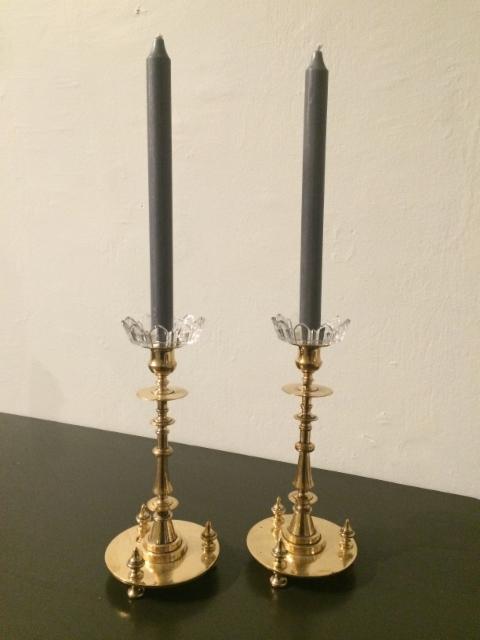 Messinkiset kynttilänjalat