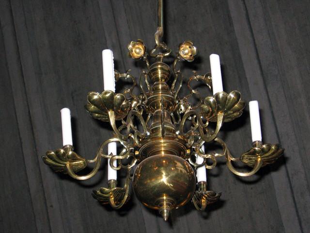 vanhan kirkon kynttelikko
