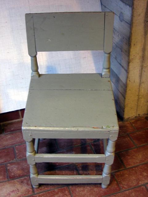 vanhan kirkon tuoli