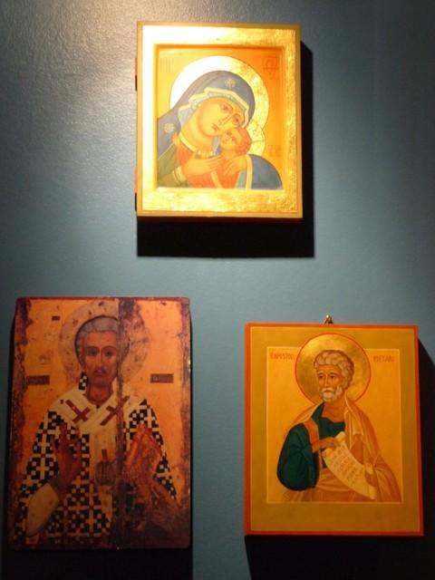 19.12. Kauniit ikonit Blomsterin seinällä