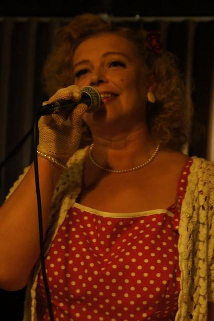 Hannele laulaa Valdemarissa