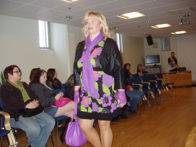 Mallina muotinäytöksessä Oulussa 13.4.2010